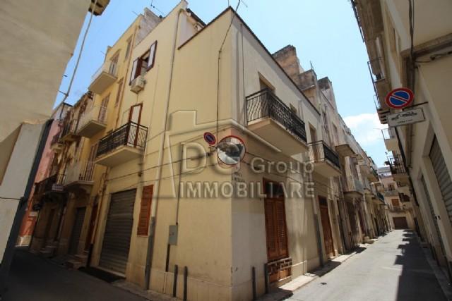 Casa Indipendente vendita ALCAMO (TP) - 7 LOCALI - 240 MQ