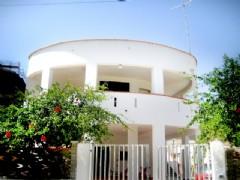 Panoramico appartamento in villa a 150 metri dal mare