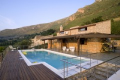 Bellissima villa a Fraginesi con piscina